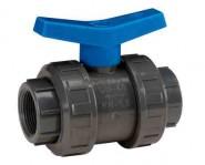 """PVC сферичен спирателен кран с резбови холендри 1/2"""" PN16"""